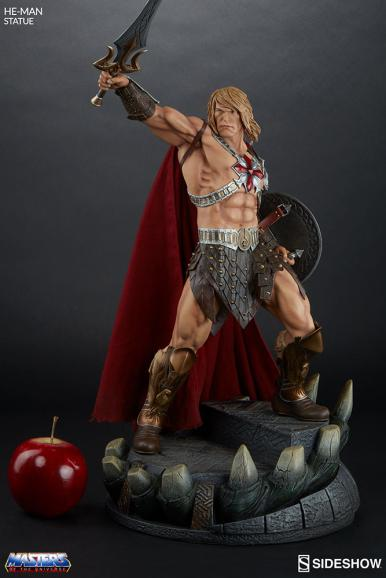 masters-of-the-universe-he-man-statue-200459-03